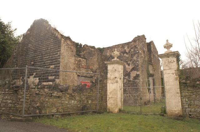 Llawhadden House